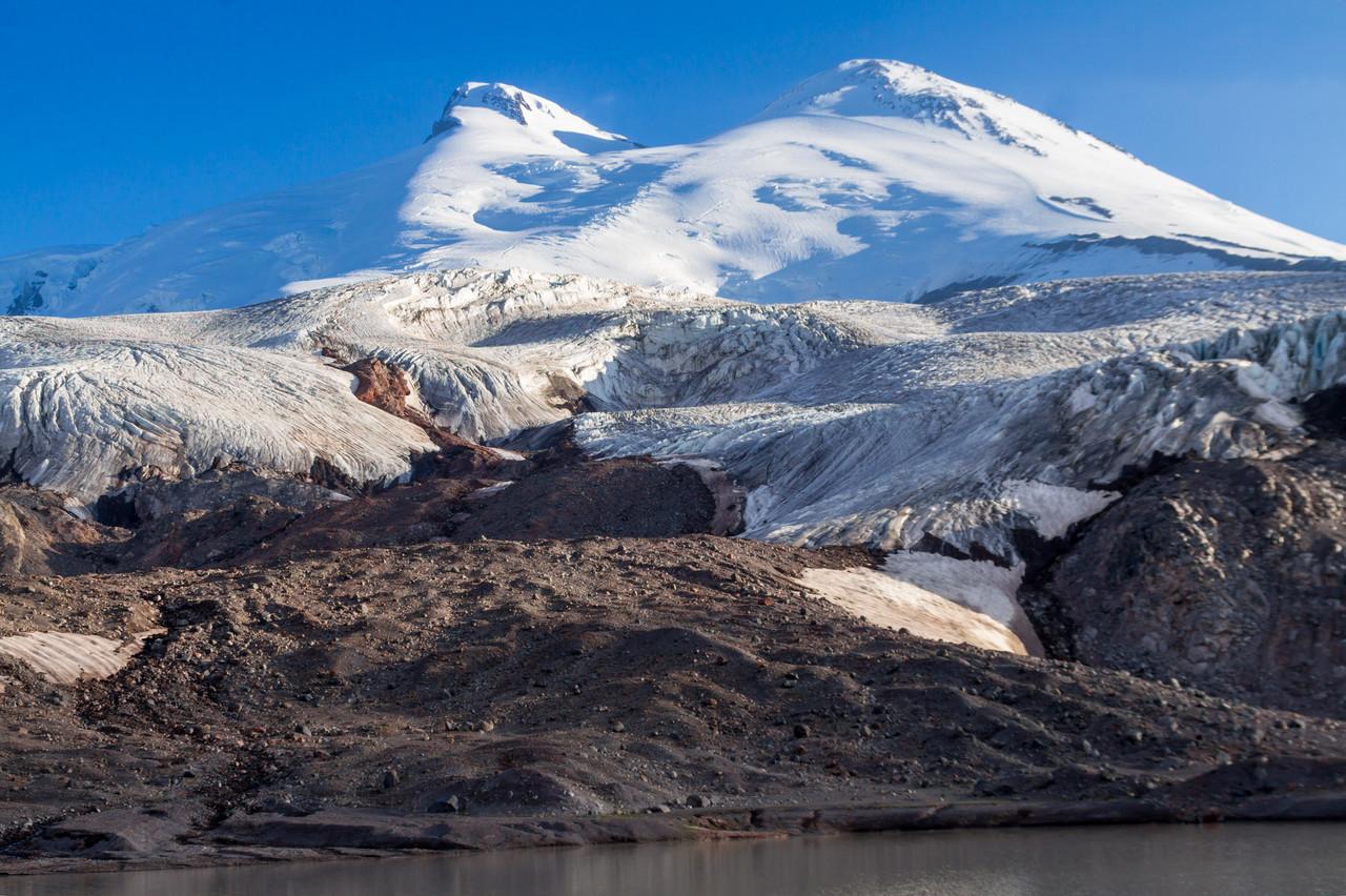Эльбрус. Вид с озера Азау